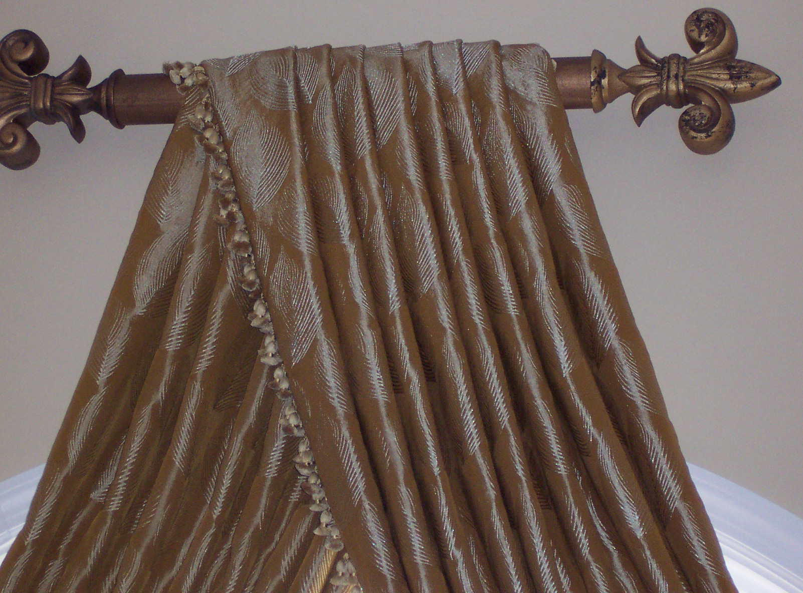 Simple Trumpet and Jabot Valance Curtain - Custom Curtains