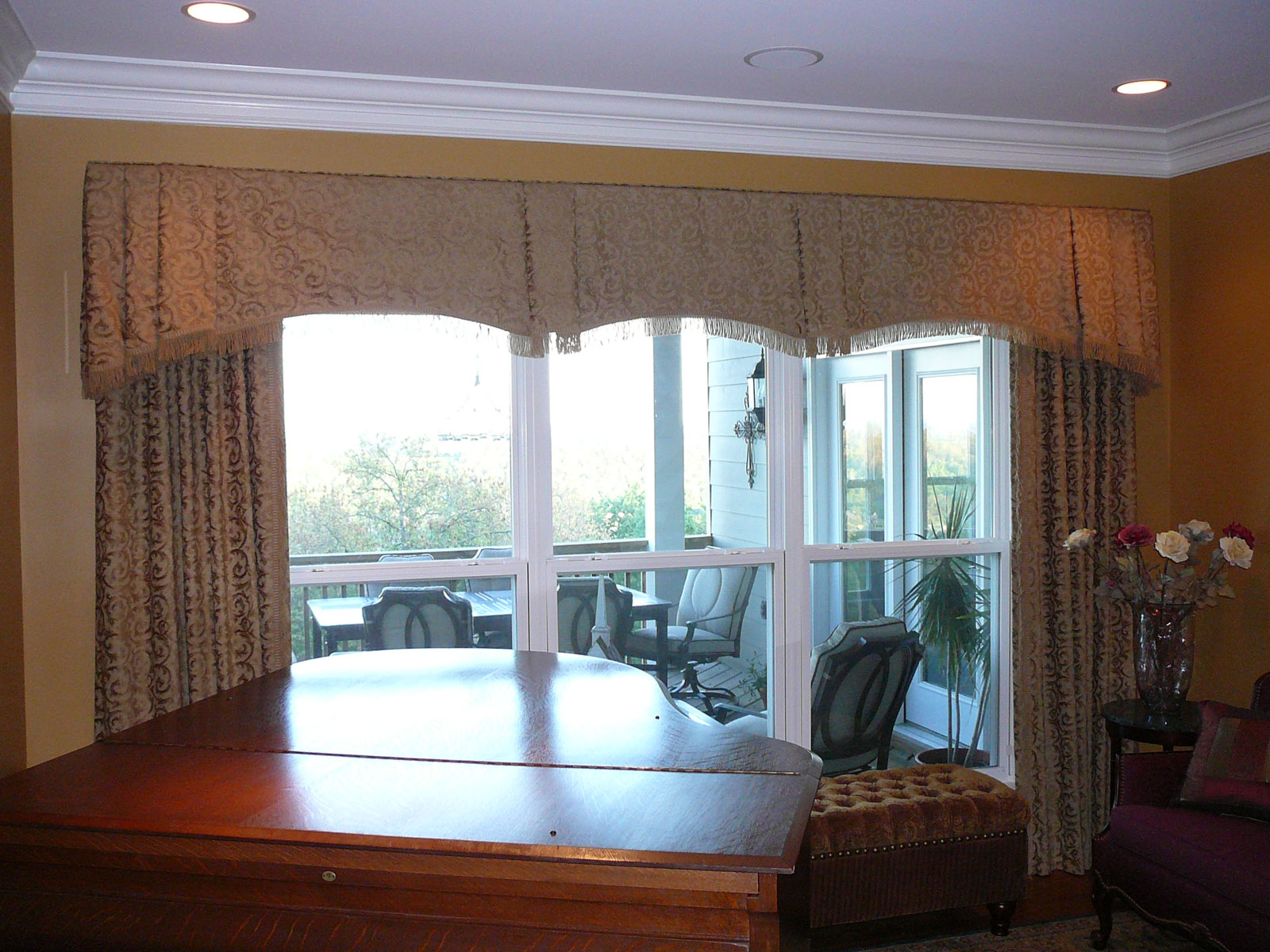 Valances for dining room windows for Dining room windows